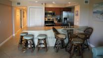 kitchen-dining-area-at-sunrise-breeze-ocean-pointe-tavernier-florida