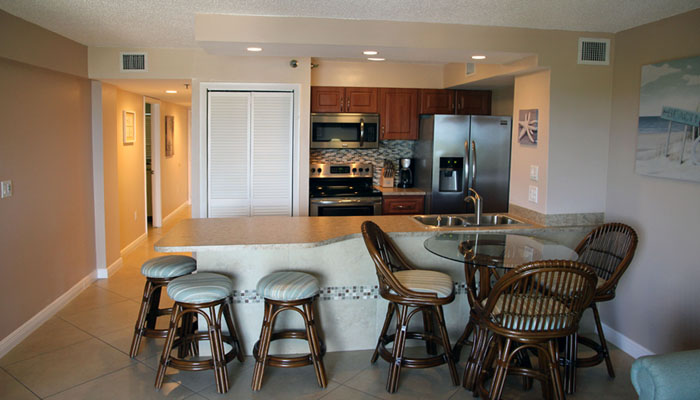 Sunrise Breeze kitchen and dining room area